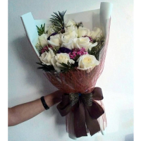 send 12 stems fresh white roses in bouquet to philippines
