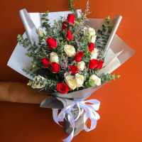 send 24 red and white roses bouquet to philippines