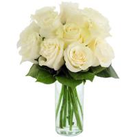 send dozen of white ecuadorian roses in vase to philippines