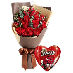 12 Red Roses w/ Chocolate Box