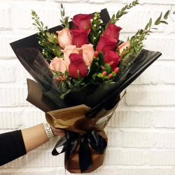 send 11 red and peach roses in bouquet to philippines