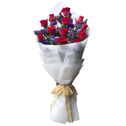 12 Stems Red Roses in Bouquet