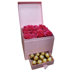 18 Pink Roses with 10 Pcs Ferrero in Box