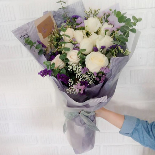 send dozen of white color roses in bouquet to philippines
