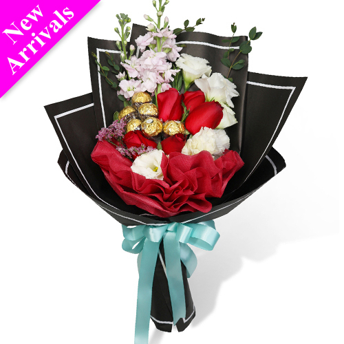 10 Mixed Roses with Chocolate in Bouquet