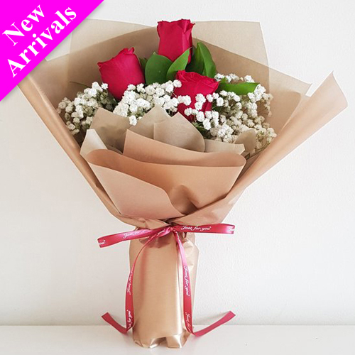 Bunch of 3 red roses for Valentine's