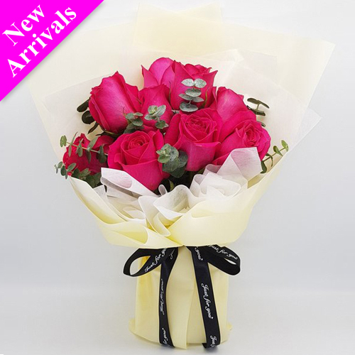 9 Stems red color roses