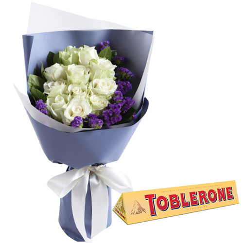 12 White Roses with Chocolate Bar