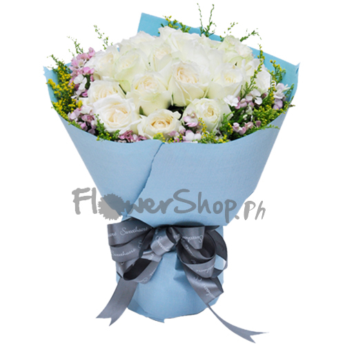 12 White Color Roses in Bouquet