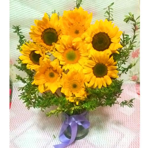 9 Piece's Sunflower Vase