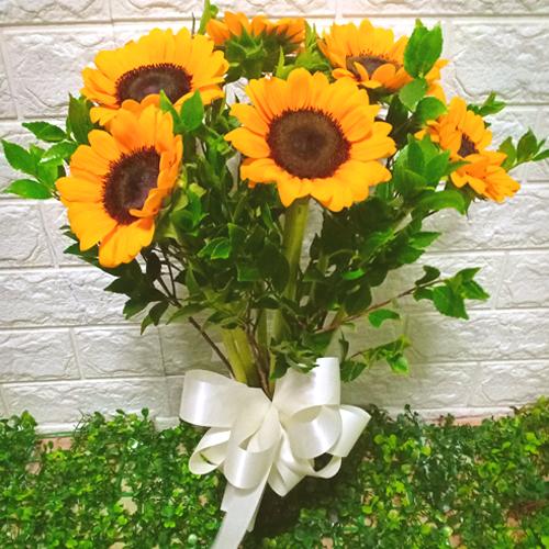 6 Sunflowers Vase to Manila